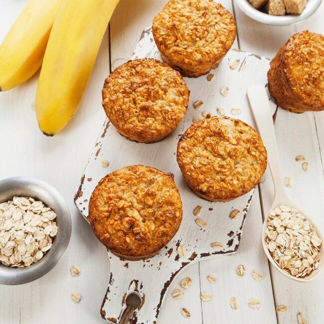 Zdravý jahodovo – banánovo - čokoládový muffin