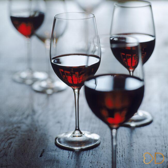 14 prekvapujúcich výhod pitia vína...